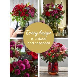 CHRISTMAS FLORIST'S CHOICE VASE ARRANGEMENT